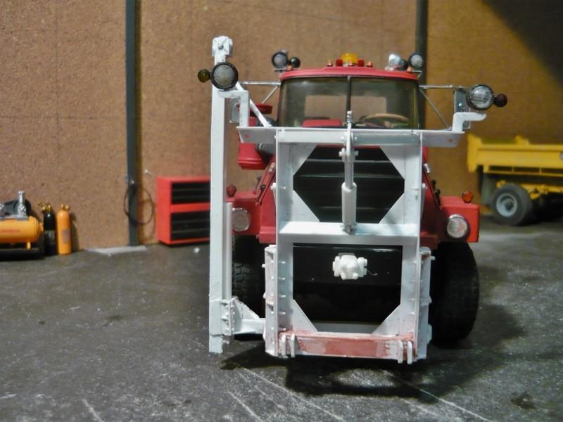 Mack RM 6X6 avec équipement a neige. - Page 4 P1130611