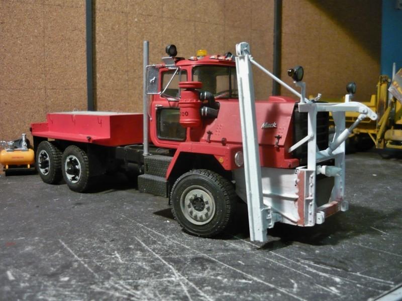 Mack RM 600 6X6 avec équipement a neige. - Page 3 P1130630
