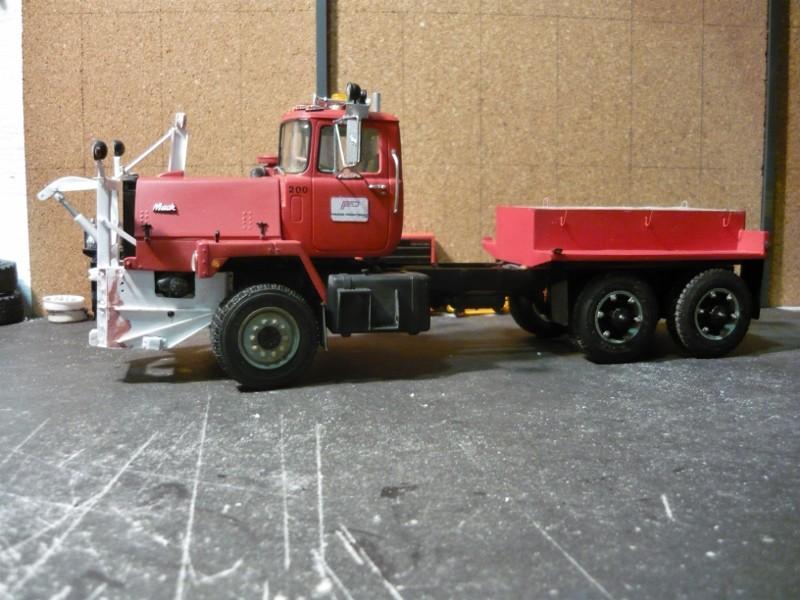 Mack RM 600 6X6 avec équipement a neige. - Page 3 P1130633