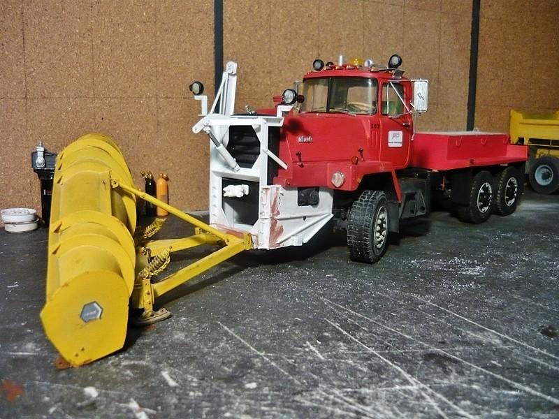 Mack RM 600 6X6 avec équipement a neige. - Page 3 P1130634