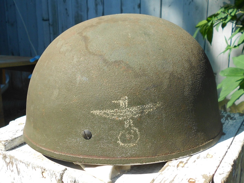 Lets see your favorite worn Canadian/Commonwealth helmets with nice aged patina - Page 3 00510