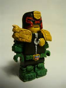 Does anyone else collect judge dredd comic or figures? Thuvkl10