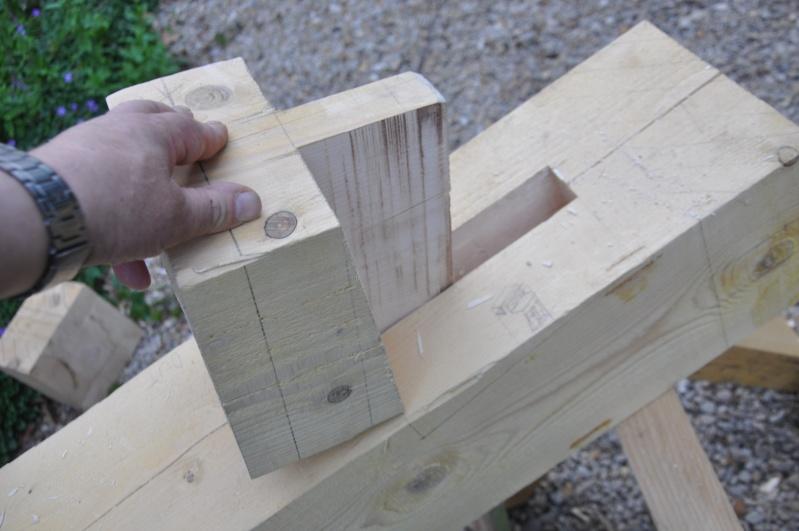 construction d'un abri en charpente - Page 5 01414