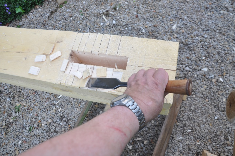 construction d'un abri en charpente - Page 5 01913