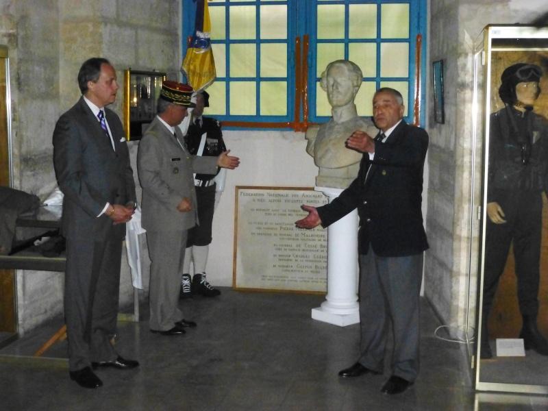 Le Mémorial accueille le Duc d'Orleans ! P1120514