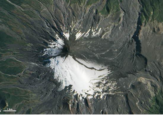 Volcán Villarrica sigue en alerta naranja Volcan10