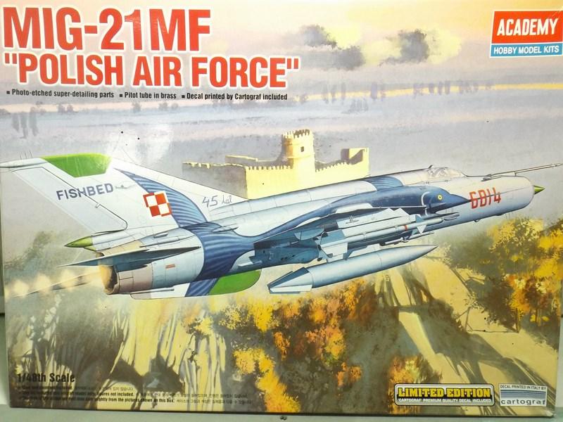 """mikoyan - - Mikoyan-Gourevitch MiG-21 MF """"Polish air force"""" au 1/48....l'espadon bleu. Dscf1329"""