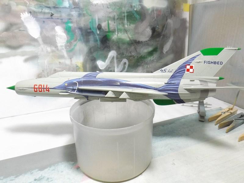 """mikoyan - - Mikoyan-Gourevitch MiG-21 MF """"Polish air force"""" au 1/48....l'espadon bleu. Dscf1339"""