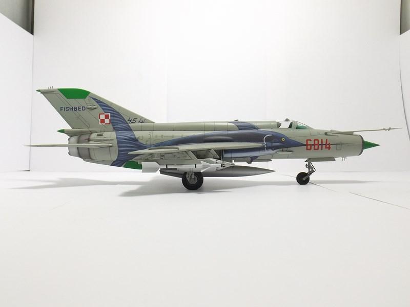 """mikoyan - - Mikoyan-Gourevitch MiG-21 MF """"Polish air force"""" au 1/48....l'espadon bleu. Dscf1343"""