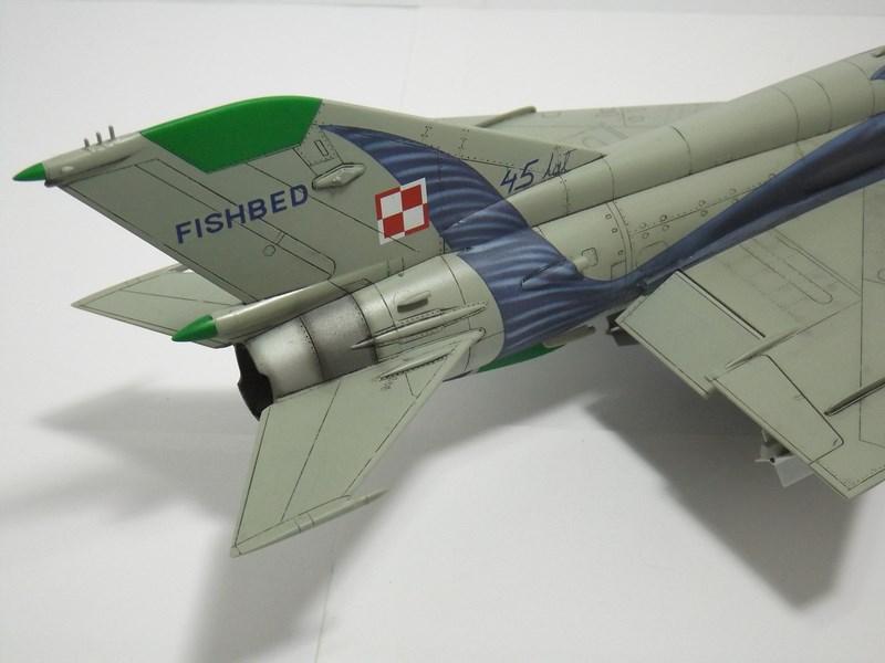 """mikoyan - - Mikoyan-Gourevitch MiG-21 MF """"Polish air force"""" au 1/48....l'espadon bleu. Dscf1345"""