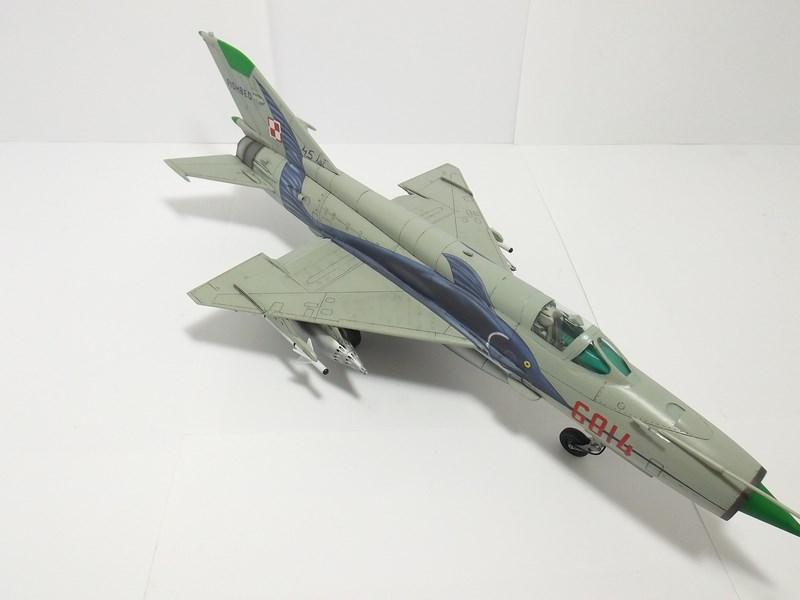 """mikoyan - - Mikoyan-Gourevitch MiG-21 MF """"Polish air force"""" au 1/48....l'espadon bleu. Dscf1348"""