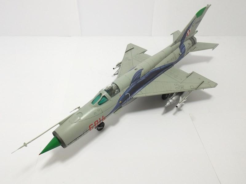 """mikoyan - - Mikoyan-Gourevitch MiG-21 MF """"Polish air force"""" au 1/48....l'espadon bleu. Dscf1349"""