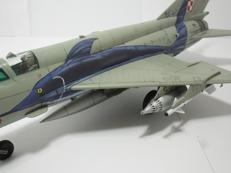 """mikoyan - - Mikoyan-Gourevitch MiG-21 MF """"Polish air force"""" au 1/48....l'espadon bleu. Dscf1350"""