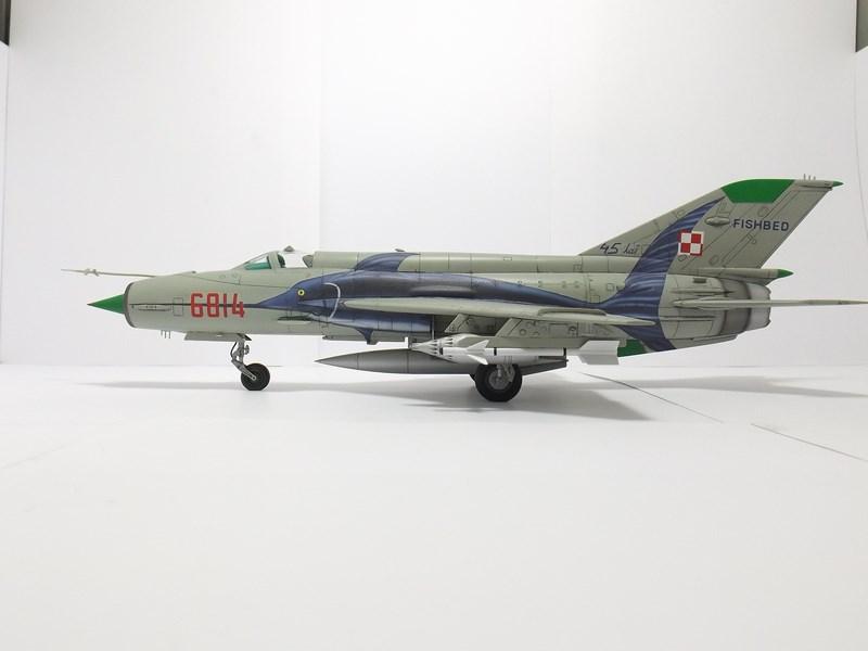 """mikoyan - - Mikoyan-Gourevitch MiG-21 MF """"Polish air force"""" au 1/48....l'espadon bleu. Dscf1351"""
