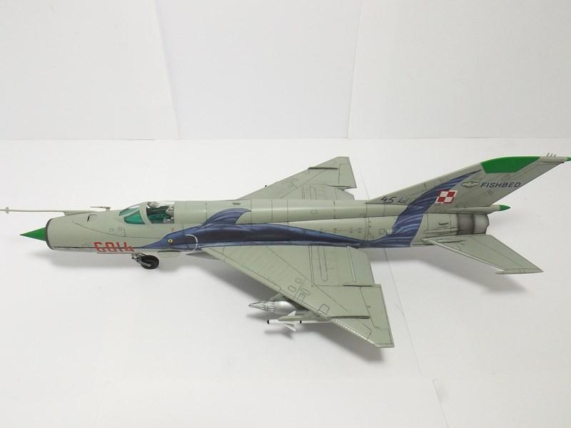 """mikoyan - - Mikoyan-Gourevitch MiG-21 MF """"Polish air force"""" au 1/48....l'espadon bleu. Dscf1352"""