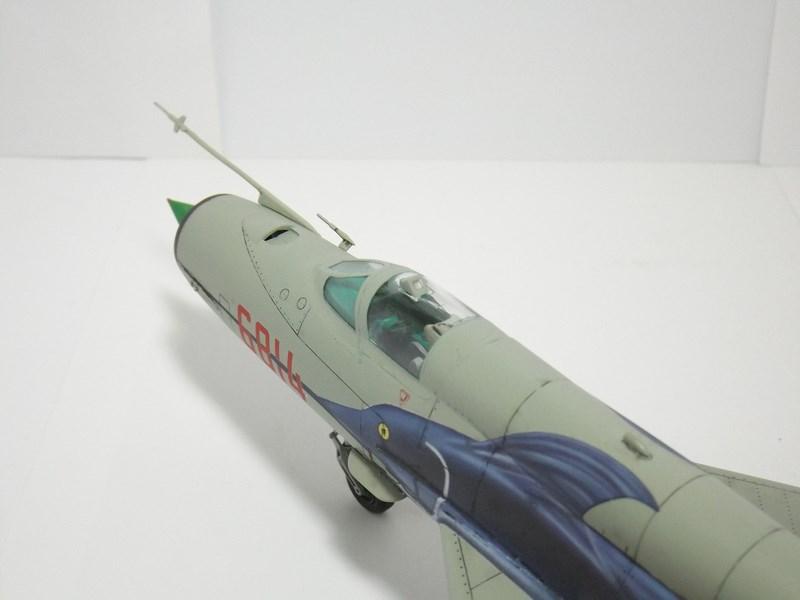 """mikoyan - - Mikoyan-Gourevitch MiG-21 MF """"Polish air force"""" au 1/48....l'espadon bleu. Dscf1354"""