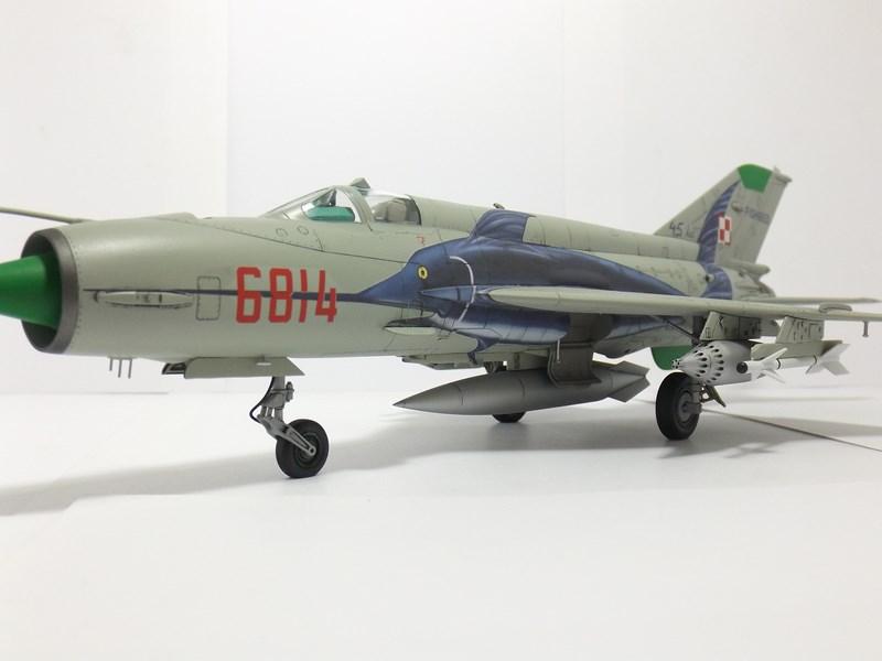 """mikoyan - - Mikoyan-Gourevitch MiG-21 MF """"Polish air force"""" au 1/48....l'espadon bleu. Dscf1356"""