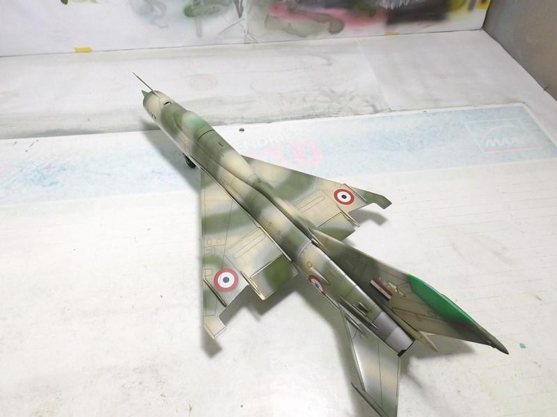 """Mikoyan-Gourevitch MiG-21 PF """"égyptien"""" au 1/48 Dscf1611"""