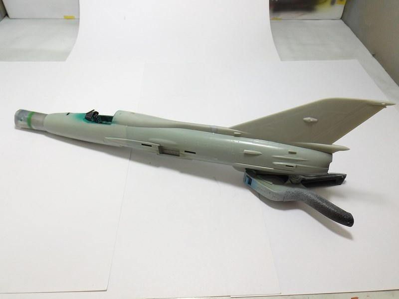"Mikoyan-Gourevitch MiG-21 PF ""égyptien"" au 1/48 Mig-2114"