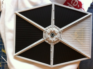 Tie Fighter Easy kit de chez Revell - Page 2 Img_9712