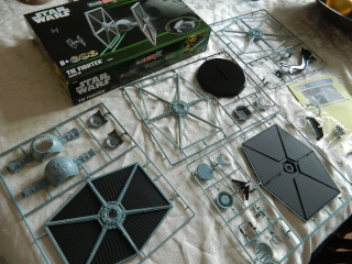 Tie Fighter Easy kit de chez Revell Revell13
