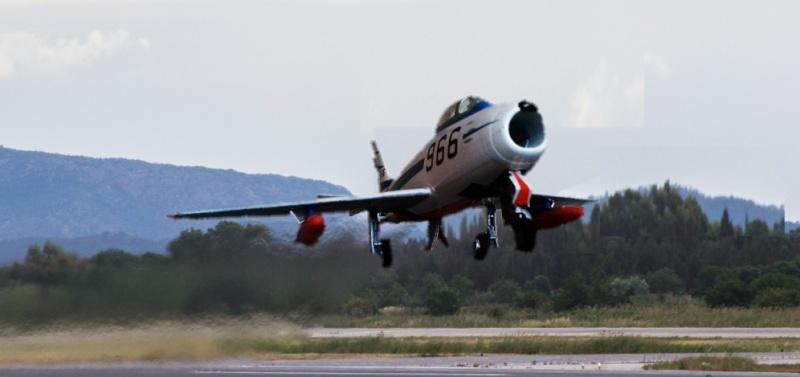 "F-86F-40 Sabre ""Blue Impulse"" (Hobby Boss) - Page 2 7910"