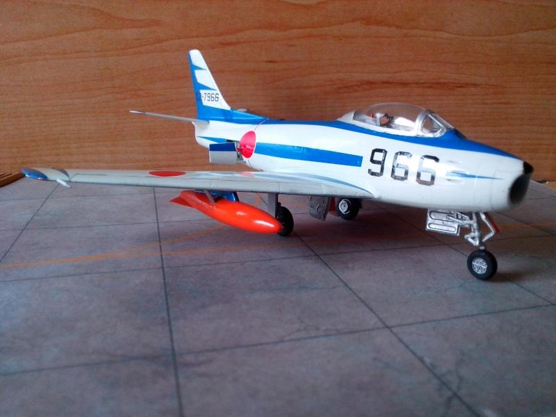 "F-86F-40 Sabre ""Blue Impulse"" (Hobby Boss) - Page 2 Img_2019"