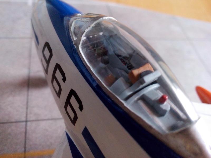 "F-86F-40 Sabre ""Blue Impulse"" (Hobby Boss) - Page 2 Img_2021"