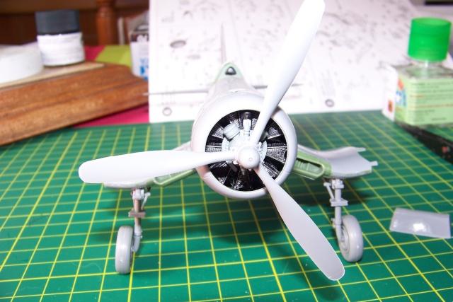 F4U-1 A Corsair Tamiya 1/48 oui mais un All Black ! fini 100_9418