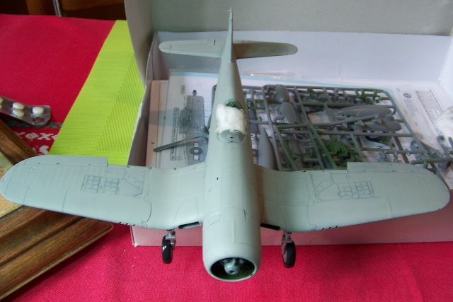 F4U-1 A Corsair Tamiya 1/48 oui mais un All Black ! fini 100_9454