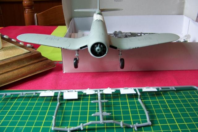 F4U-1 A Corsair Tamiya 1/48 oui mais un All Black ! fini 100_9455