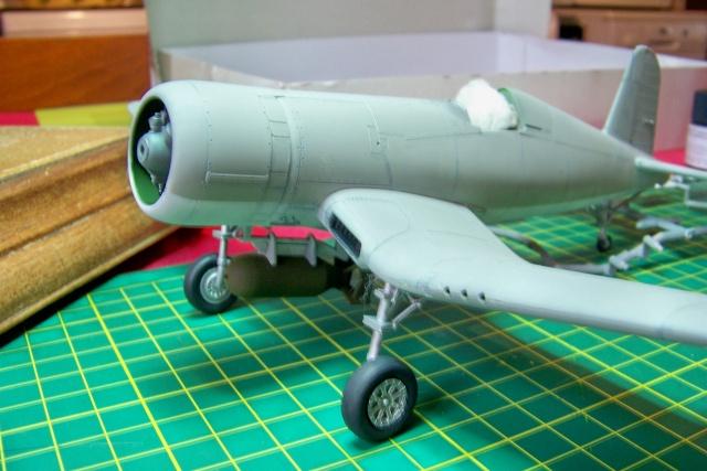 F4U-1 A Corsair Tamiya 1/48 oui mais un All Black ! fini 100_9459