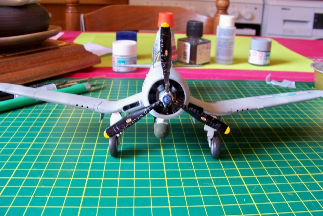 F4U-1 A Corsair Tamiya 1/48 oui mais un All Black ! fini 100_9516