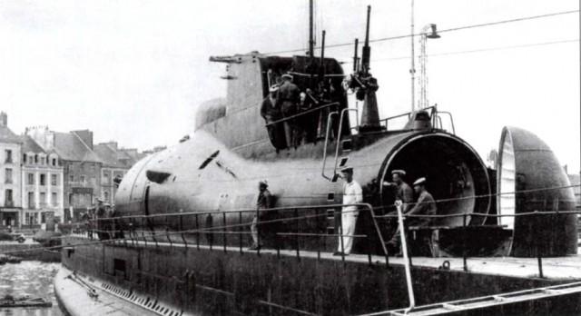 Le sous-marin Surcouf en 1938 . 12856910