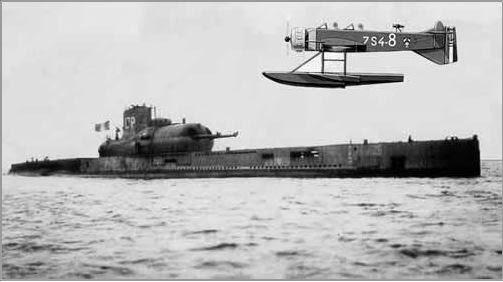 Le sous-marin Surcouf en 1938 . Marcel10