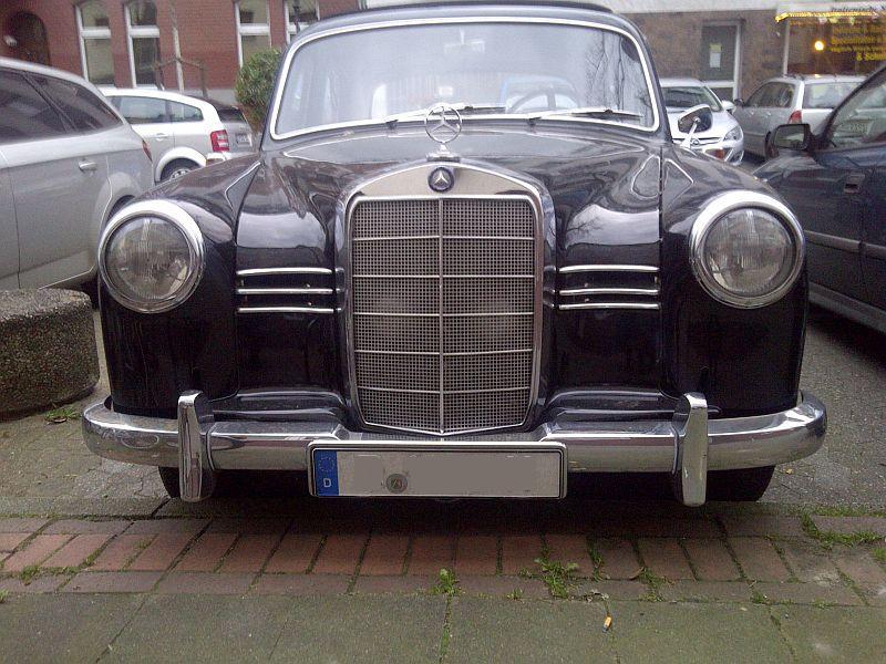 """Mercedes 180D - auf dem Parkplatz """"schnappgeschossen"""" 110"""