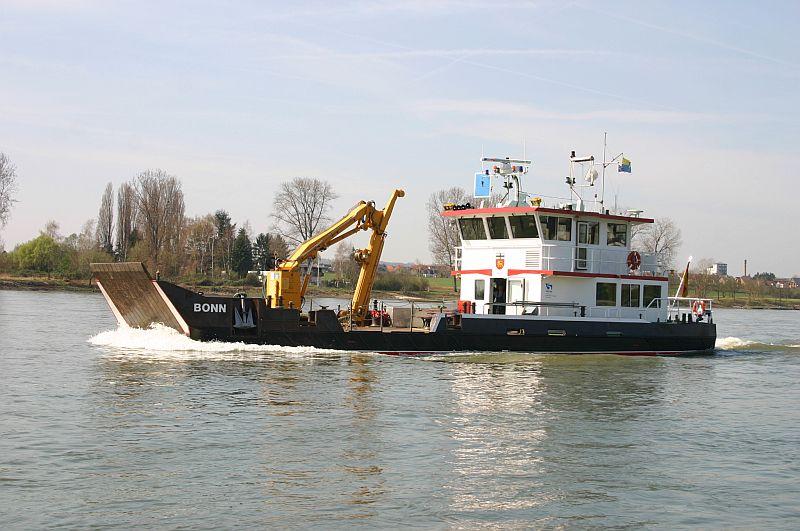 Kleiner Rheinbummel am 10.04.15 in Andernach und Mondorf 13a10