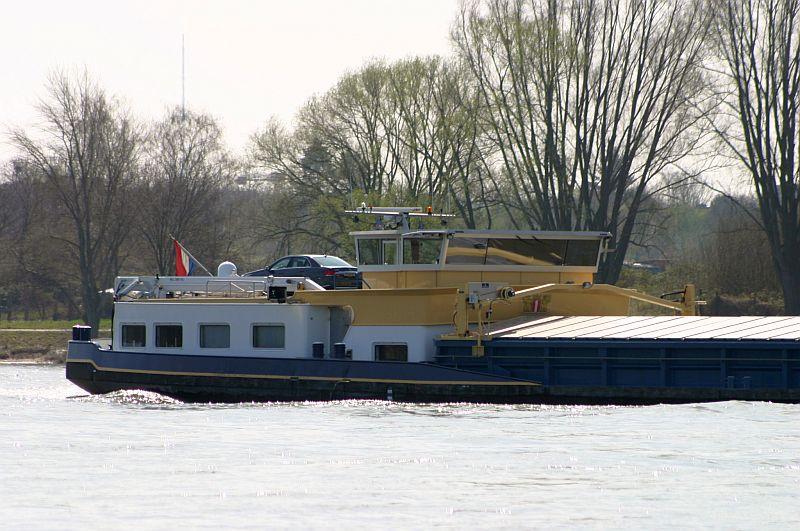 Kleiner Rheinbummel am 10.04.15 in Andernach und Mondorf 19b10