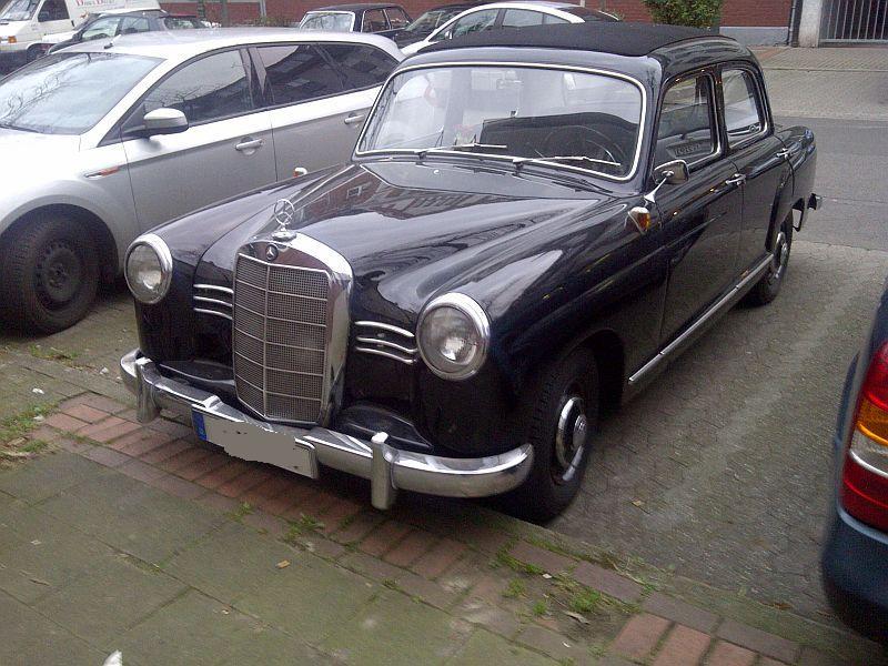 """Mercedes 180D - auf dem Parkplatz """"schnappgeschossen"""" 210"""