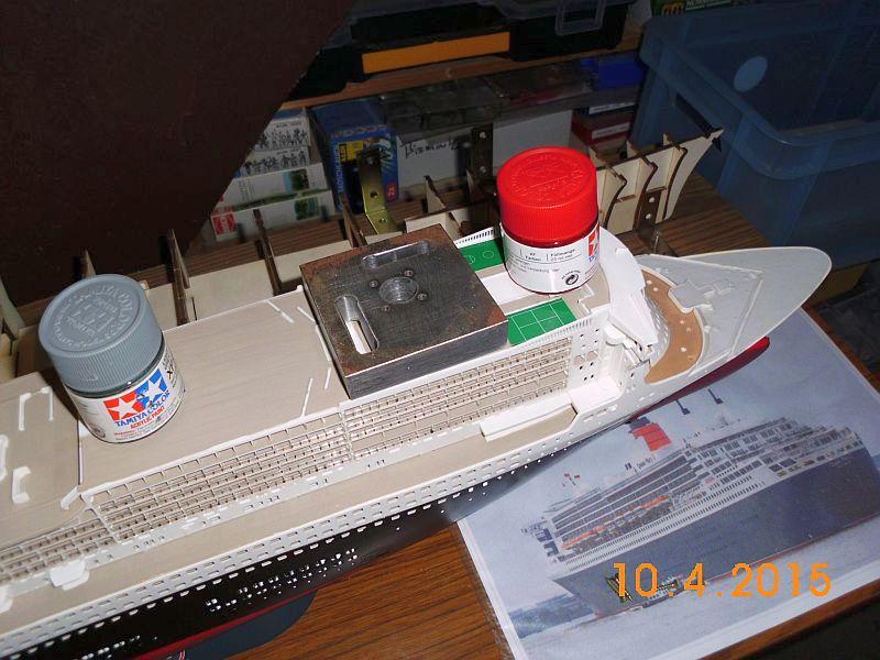 Revell 05223 - Queen Mary 2 1/400 (Weiter-) Baubericht - Fertig 230