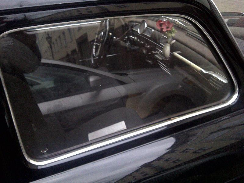 """Mercedes 180D - auf dem Parkplatz """"schnappgeschossen"""" 310"""
