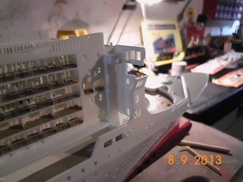 Revell 05223 - Queen Mary 2 1/400 (Weiter-) Baubericht - Fertig 4a10