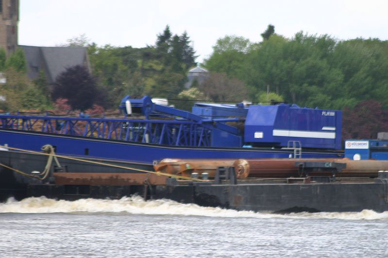 Kranschiff MKS Kraanvogel + Arbeitsschiff Wati18 am 08.05.15 in Königswinter 4c11