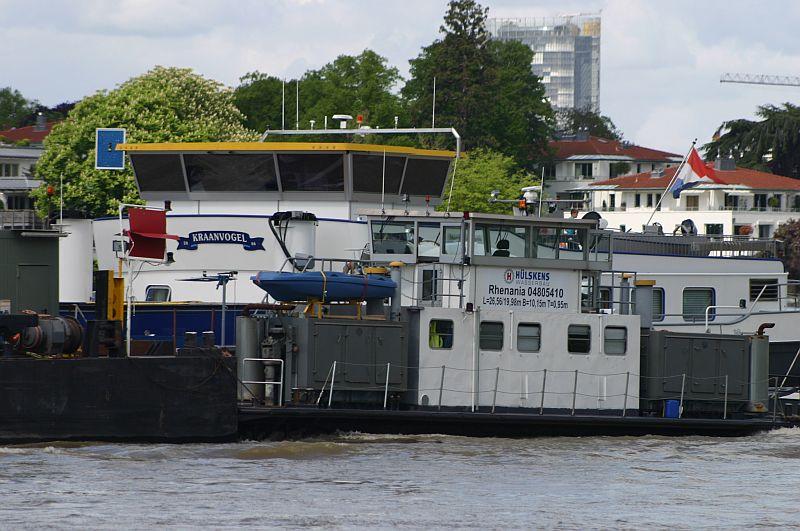 Kranschiff MKS Kraanvogel + Arbeitsschiff Wati18 am 08.05.15 in Königswinter 4e10