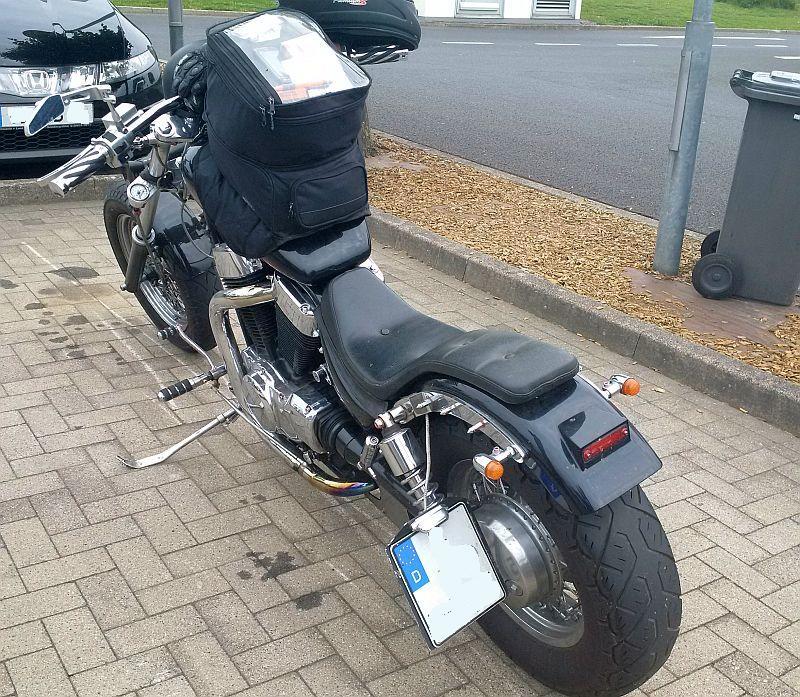 """Suzuki """"Intruder"""" - auf dem Parkplatz """"schnappgeschossen"""" 920"""