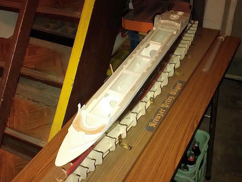 Revell 05223 - Queen Mary 2 1/400 (Weiter-) Baubericht - Fertig 9n10