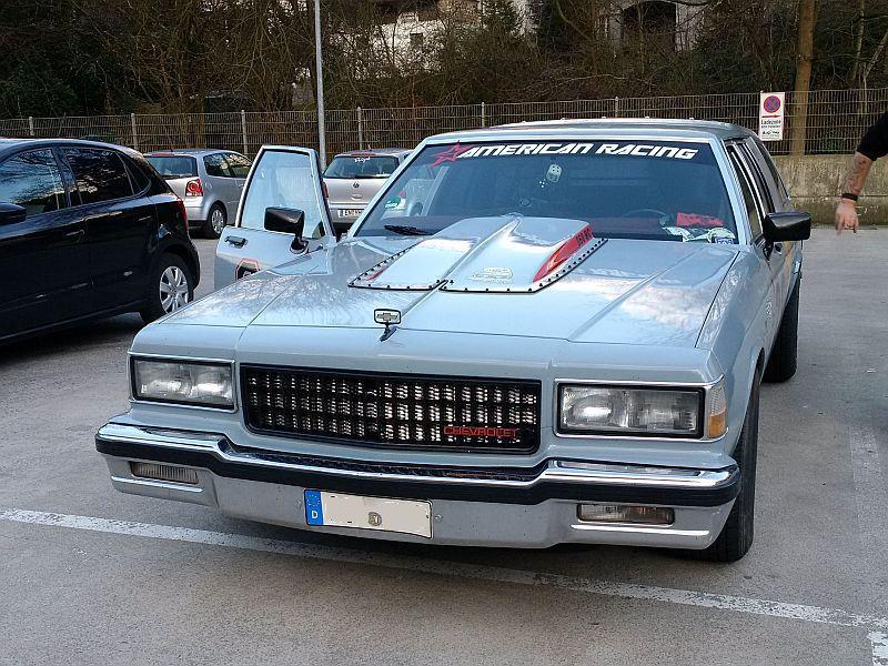 "Chevrolet Caprice - Wagon 1980 - auf dem Parkplatz ""schnappgeschossen"" C111"