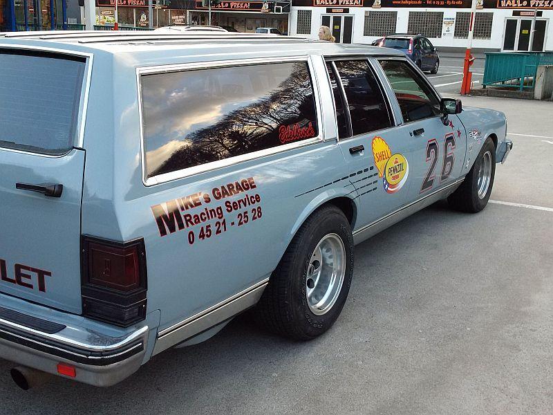 "Chevrolet Caprice - Wagon 1980 - auf dem Parkplatz ""schnappgeschossen"" C410"