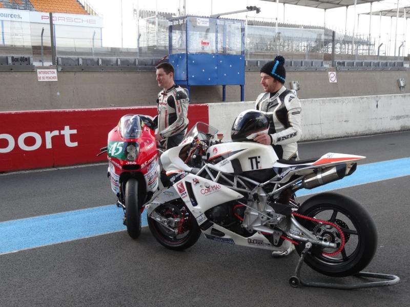 [Endurance] 24 Heures Motos, 18/19 avril 2015 - Page 2 Dsc06114