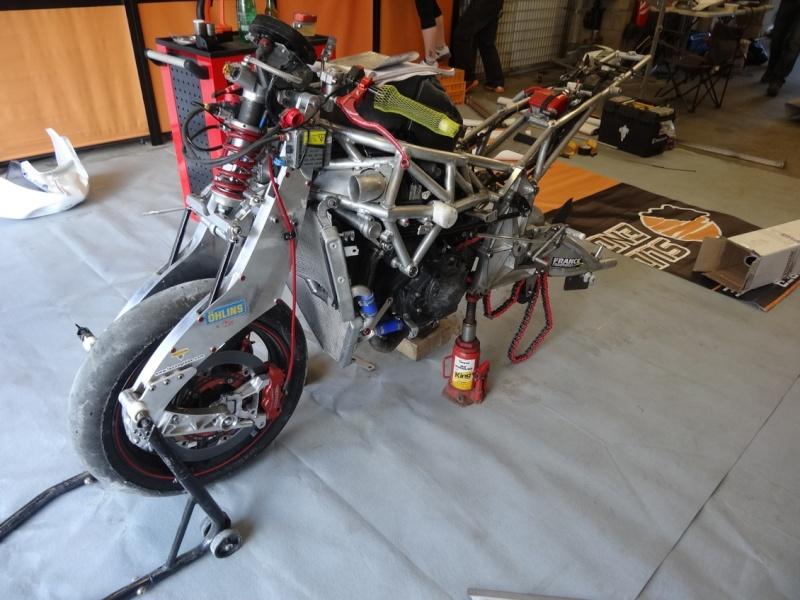 [Endurance] 24 Heures Motos, 18/19 avril 2015 - Page 3 Dsc06124